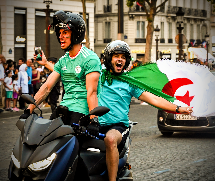 Algeria Fans Went Wild In Paris After Reaching The #AFCON 2019 Semi-finals